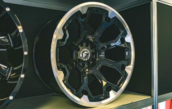 Terra Black 12×22 5×139.7  ET -44 Preis pro Stück: 799,00€