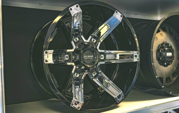LC-OF16 Black/Chrome 12×22 5×127 / 5×139.7 / 6×135 / 6×139.7  ET -44 Preis pro Stück: 849,00€